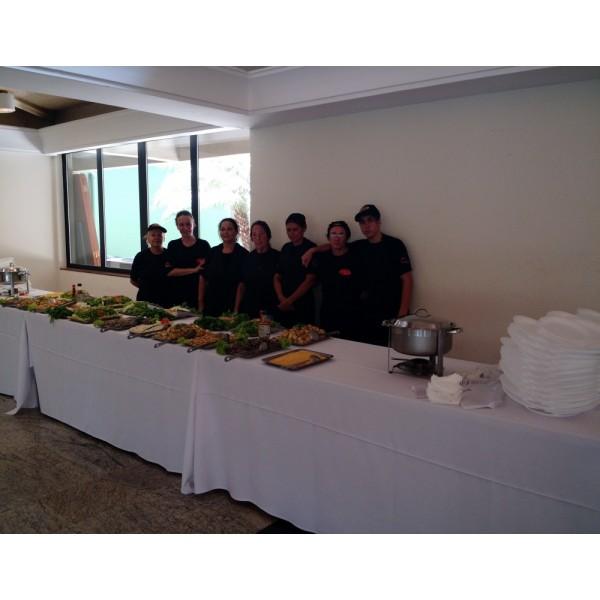 Serviço de Churrasco a Domicílio Preço no Residencial Dois - Buffet de Churrasco em Domicílio SP Preço